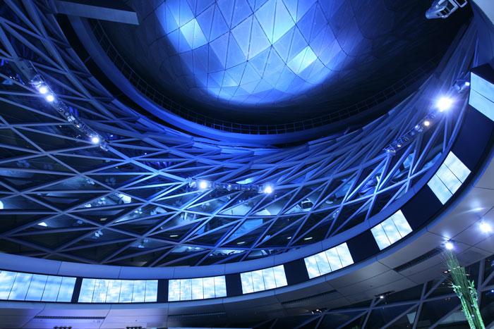 BMW Welt Auge Nachts Architekturfotografie