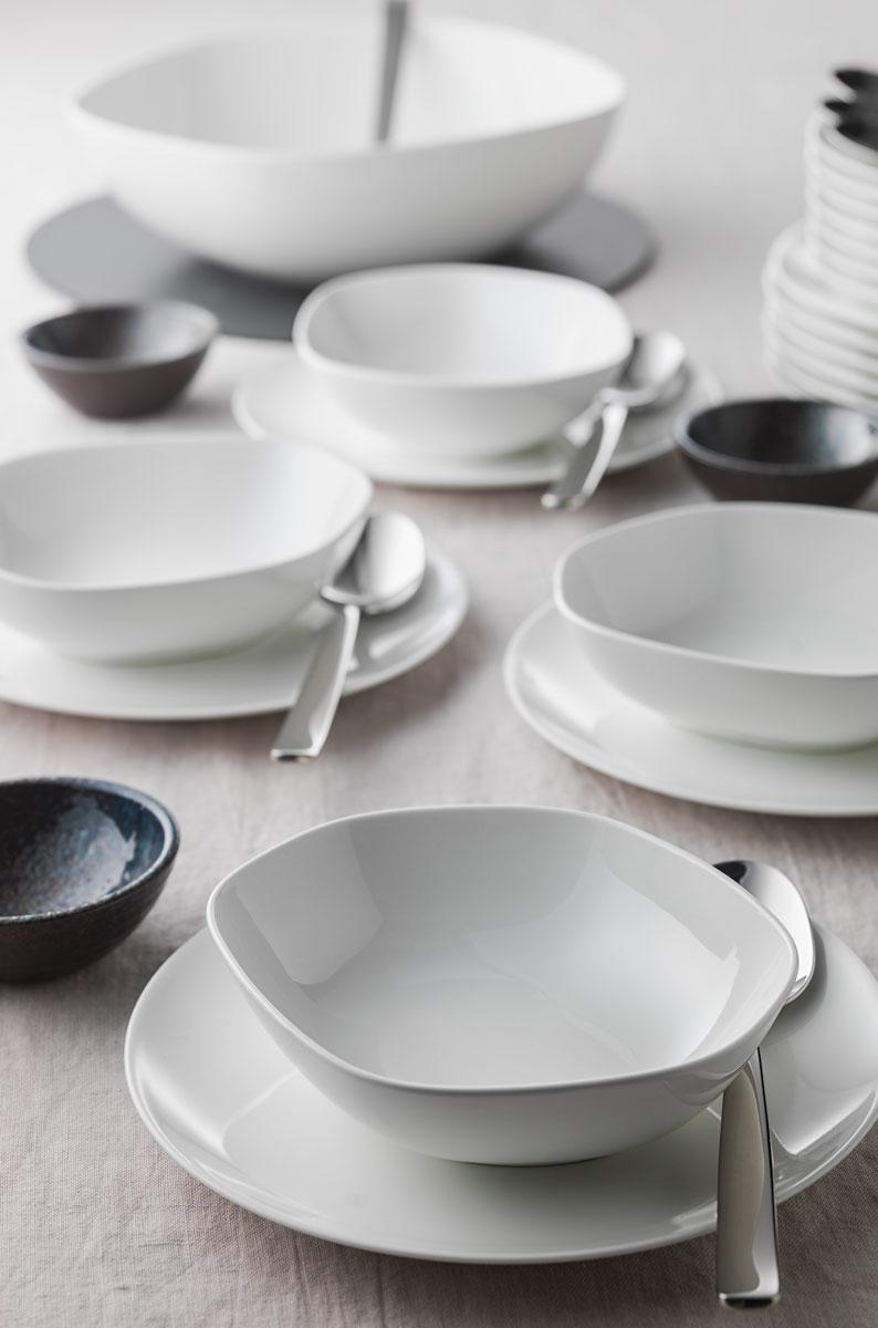 Hotelporzellan - leere Suppenschüsseln